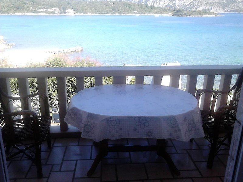 Kneza Apartment Sleeps 4 with Air Con - 5458959, holiday rental in Pupnat