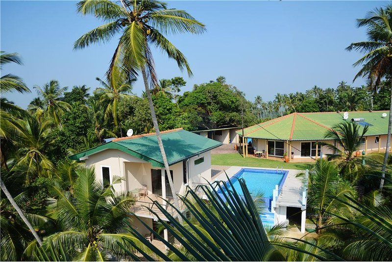 The Hilltop Boosa, holiday rental in Rathgama