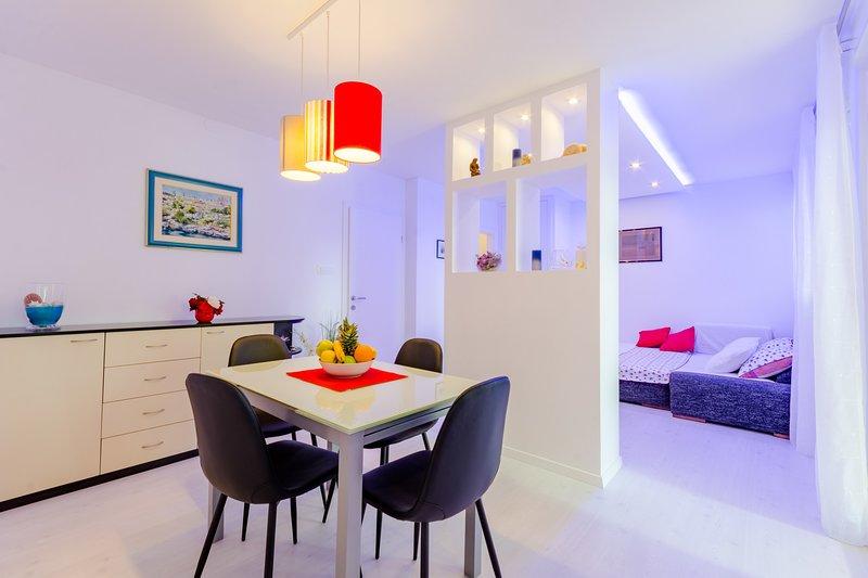 Studio Luce Mala (ST) - Studio with Terrace, aluguéis de temporada em Bale