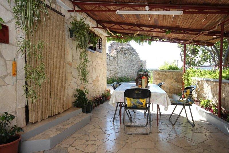 Stivan Apartment Sleeps 4 - 5459280, holiday rental in Stivan