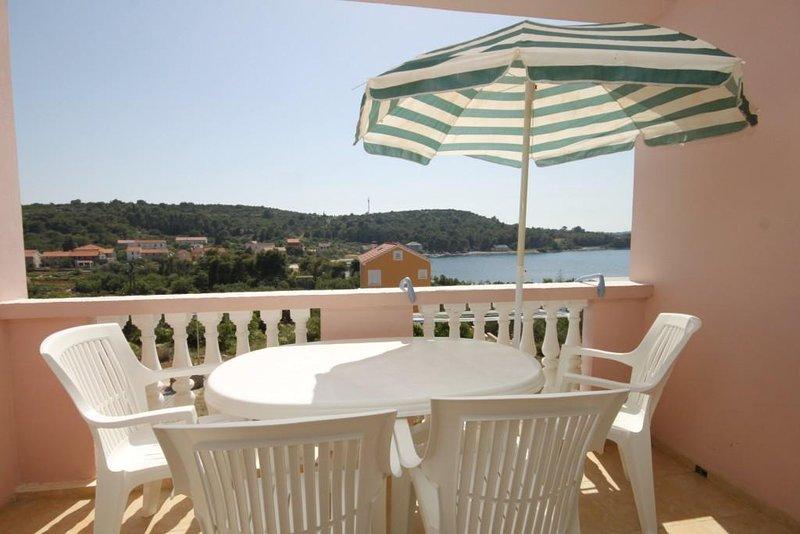 Soline Apartment Sleeps 4 with Air Con - 5459361, aluguéis de temporada em Dragove