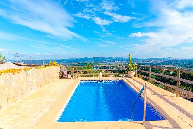 Sant Ponc Villa Sleeps 6 with Pool - 5509541, casa vacanza a Breda