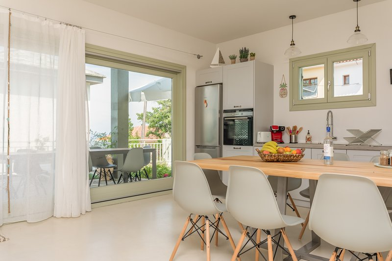 Hera Villa- 4 bedroom,private pool. Sea and Sun Luxury Pool's Villas, vacation rental in Chorefto