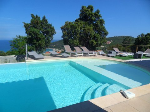 Amazing villa with swimming-pool, vacation rental in Favone