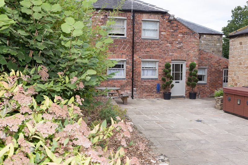 Elliott House & The Dairy, Oakerthorpe Holiday Village, vacation rental in Pilsley