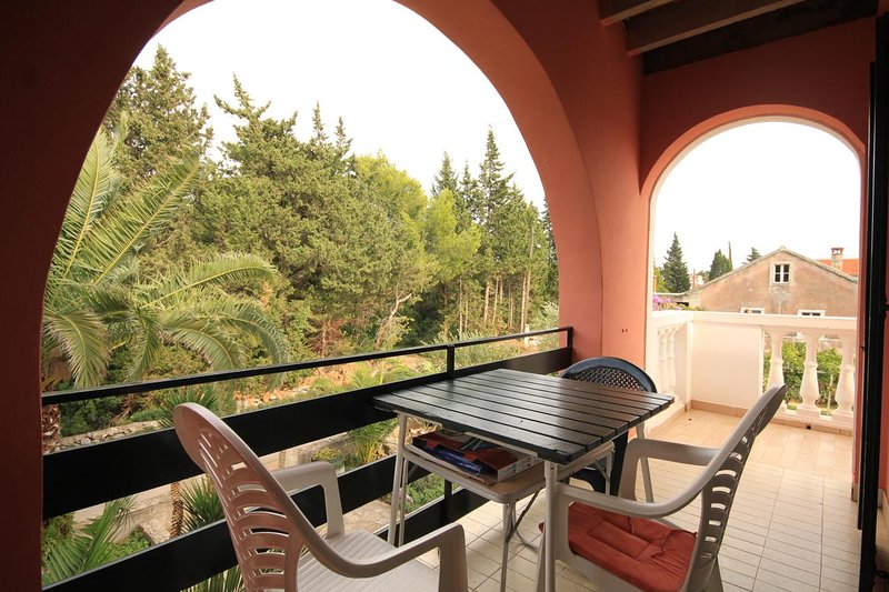 Susica Apartment Sleeps 5 with Air Con - 5459832, holiday rental in Ugljan