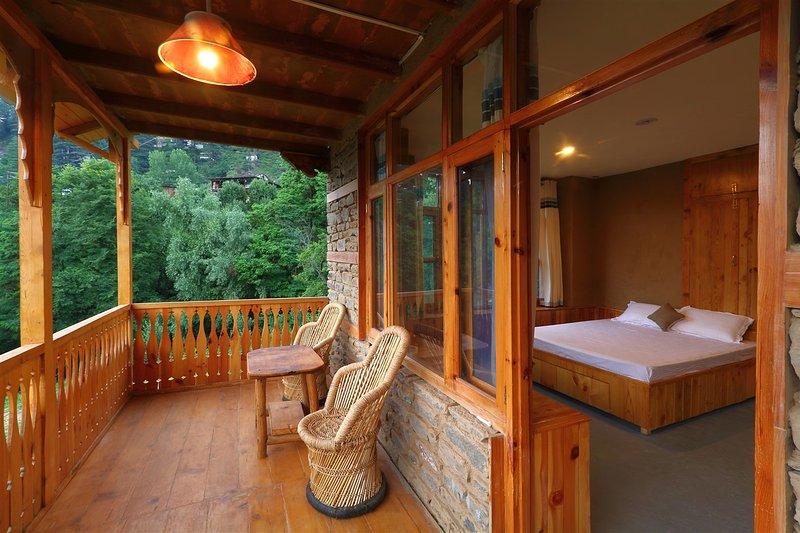 Himalayan Brothers Adventure Homestay, holiday rental in Jana