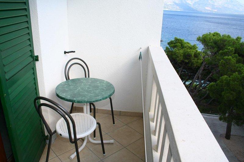 Kutlesa Apartment Sleeps 2 with Air Con - 5460078, vacation rental in Medici