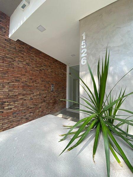 Rivera Suites departamentos cerca del centro de la ciudad de Córdoba, vacation rental in Cordoba
