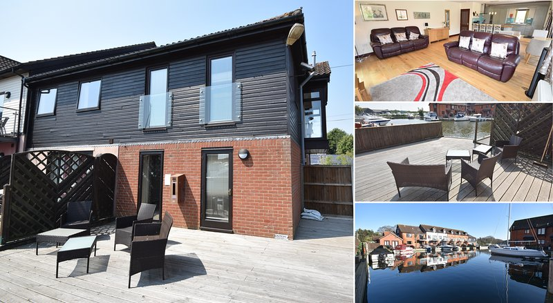 Heron Cottage- Horning - Luxury 2 bedroom waterside townhouse, casa vacanza a Horning