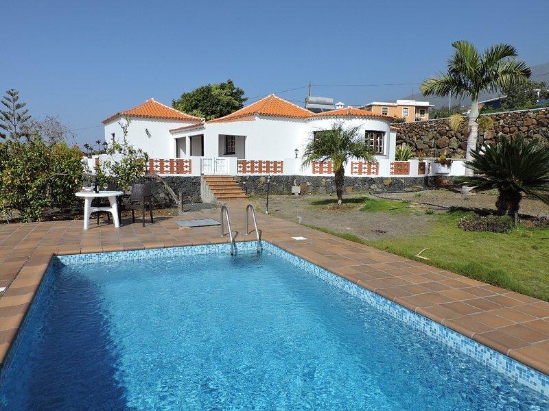 Casa Sol · Sun House, en Tijarafe, holiday rental in El Jesus