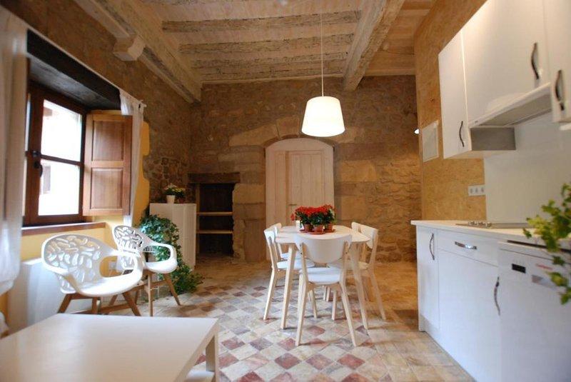 Apartamento Deluxe 8, vacation rental in Castaneda