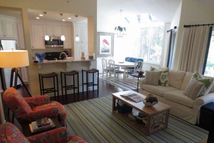 Open space Family Room, Cucina e Sala da pranzo.
