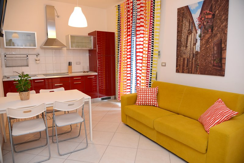 Amazing apartment with balcony, holiday rental in Marconia