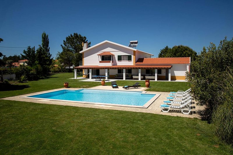 Amazing villa with swimming-pool, holiday rental in Coto