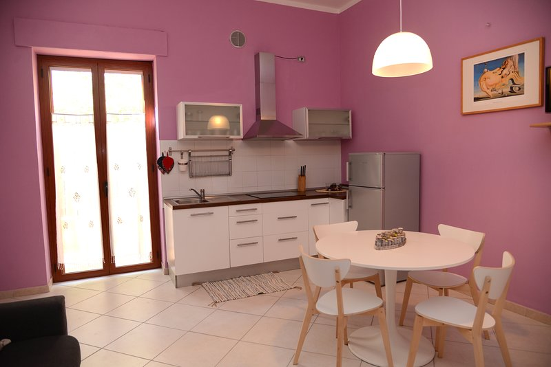 Amazing apartment with terrace, holiday rental in Policoro
