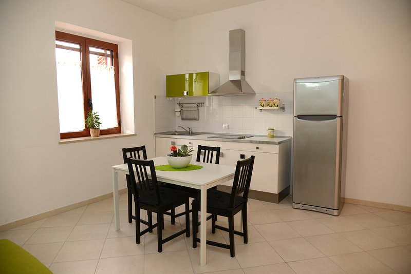 Amazing apartment with balcony, holiday rental in Policoro