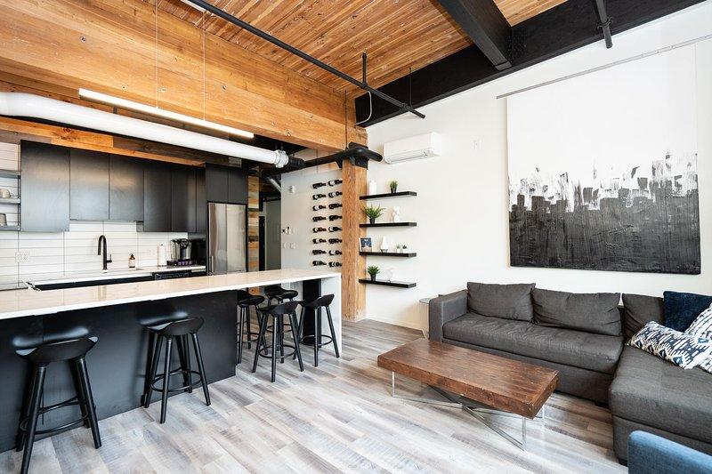 Converted Loft | Hi-End | 2 Bdr | Exchange District, alquiler de vacaciones en Winnipeg