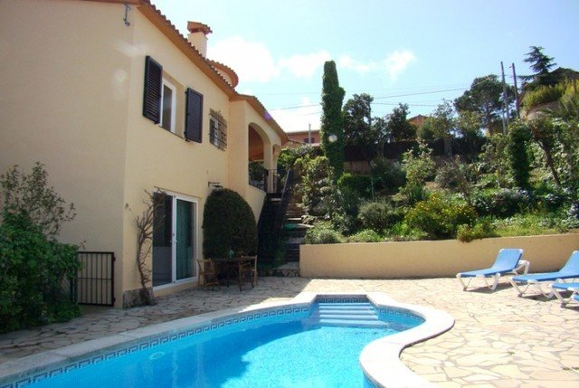 Calonge Villa Sleeps 6 with Pool and Free WiFi - 5509495, vacation rental in Calonge