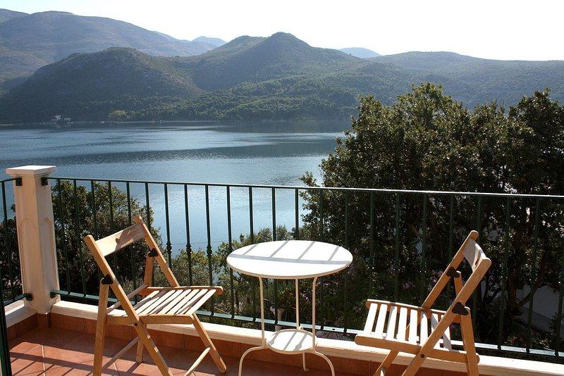 Grgurici Apartment Sleeps 4 with Air Con - 5461037, location de vacances à Sipanska Luka