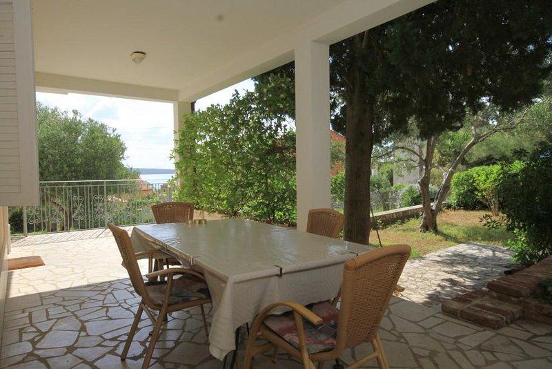 Nerezine Apartment Sleeps 4 with Air Con - 5460783, vacation rental in Nerezine