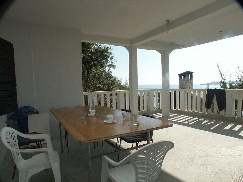 Podstrazje Apartment Sleeps 4 with Air Con - 5461599, location de vacances à Milna