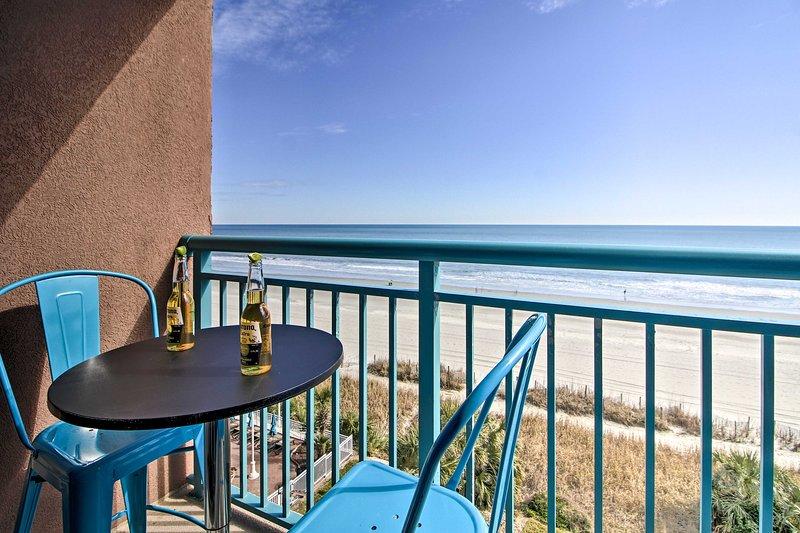 Concediti una birra con questa vista sulla spiaggia!