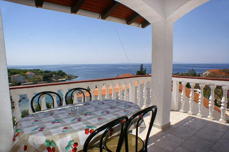 Stanisce Apartment Sleeps 5 with Air Con - 5462229, vacation rental in Potocnica