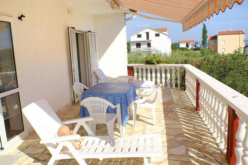 Sveti Mihajlo Apartment Sleeps 6 with Air Con - 5462394, casa vacanza a Vlasici