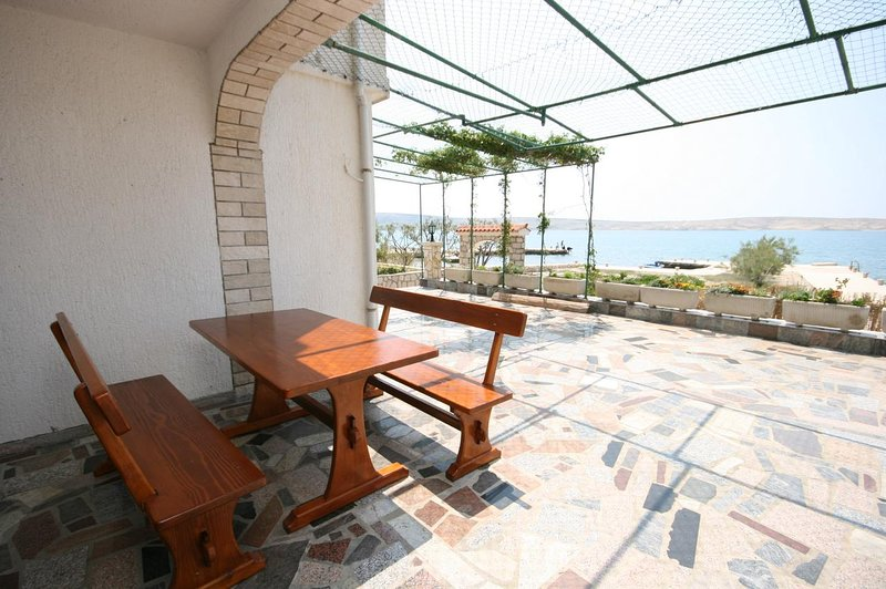 Vidalici Apartment Sleeps 6 with Air Con - 5466036, location de vacances à Vidalici