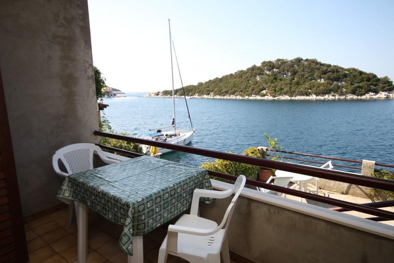 Lastovo Apartment Sleeps 2 - 5468345, holiday rental in Zaklopatica