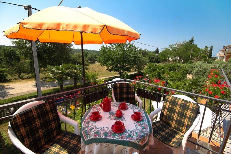 Fiorini Apartment Sleeps 4 with Air Con - 5466768, location de vacances à Fiorini