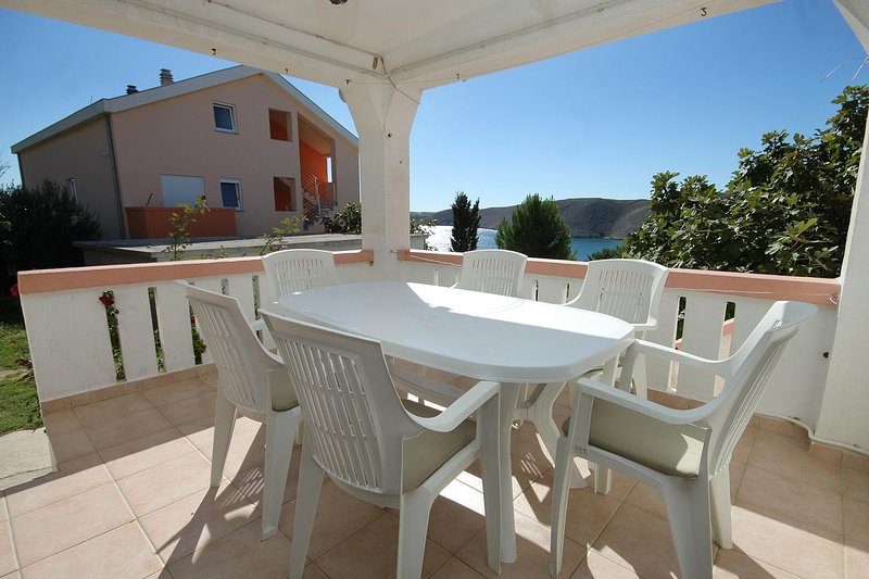 Vlasici Apartment Sleeps 6 with Air Con - 5462723, casa vacanza a Vlasici