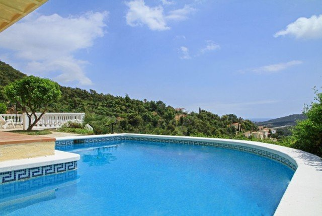 Les Cabanyes Villa Sleeps 8 with Pool and Free WiFi - 5509360, vacation rental in Calonge
