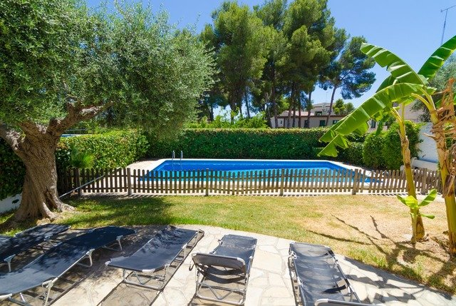 Calafell Villa Sleeps 8 with Pool and Free WiFi - 5577131, vacation rental in Segur de Calafell
