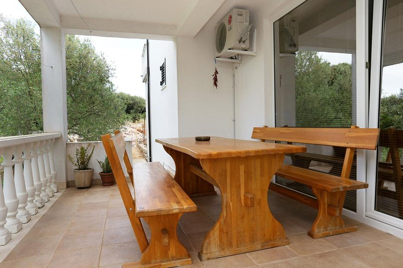 Drace Apartment Sleeps 6 with Air Con - 5469878, alquiler de vacaciones en Drace