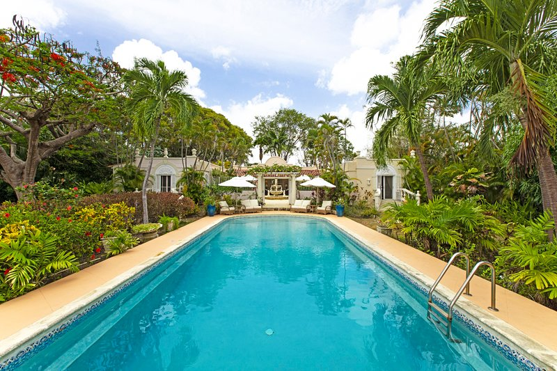 Holders Villa Sleeps 8 with Pool and Air Con - 5217673, vacation rental in Holder's Hill