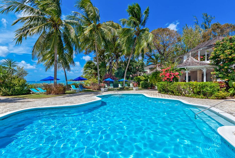 Gibbs Villa Sleeps 6 with Pool and Air Con - 5217691, holiday rental in Gibbes