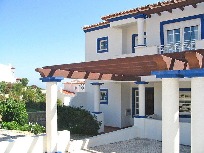 Praia del Rey Golf Casa, holiday rental in Ferrel