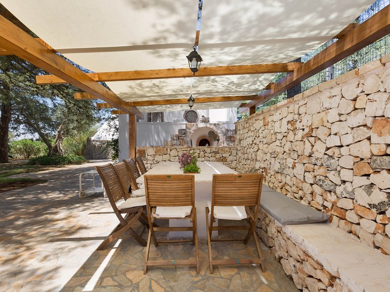 Ceglie Messapica Villa Sleeps 12 with Pool and WiFi - 5248102, location de vacances à Villa Castelli