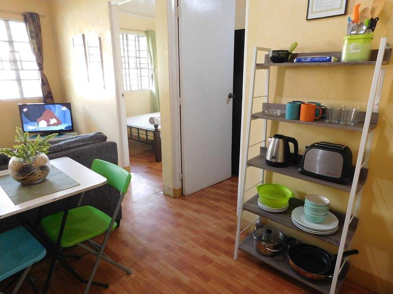 ⍟ BEST VALUE 3 ⍟ Fast WiFi ⋅ Garden ⋅ Kitchen, vacation rental in Central Luzon Region