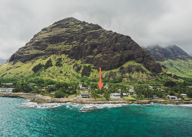 New Listing! Charming Oceanfront Cottage w/ Private Yard, alquiler de vacaciones en Waianae