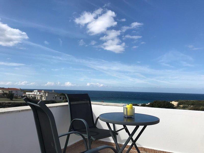 Turtle Bay Villa 2, Kyrenia, North Cyprus, casa vacanza a Ayios Amvrosios