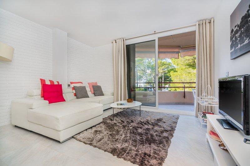 Apartment in a quiet area and near the beach, aluguéis de temporada em Formentor