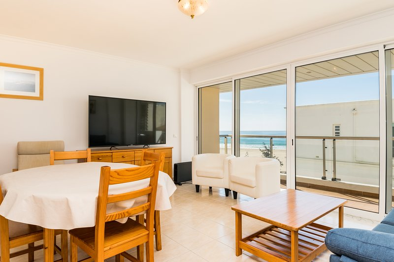Aubre Blue Apartment, Portimao, Algarve, vacation rental in Praia da Rocha