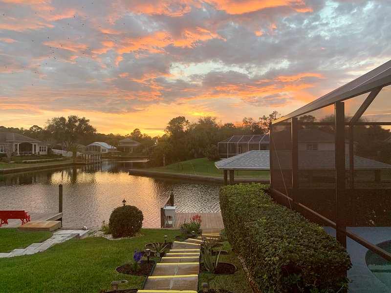 On The Canal Swim, Fish, RELAX, holiday rental in Palm Coast