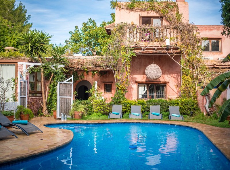Villa Eden - house with pool in Santa Eulalia, holiday rental in Cala Llenya