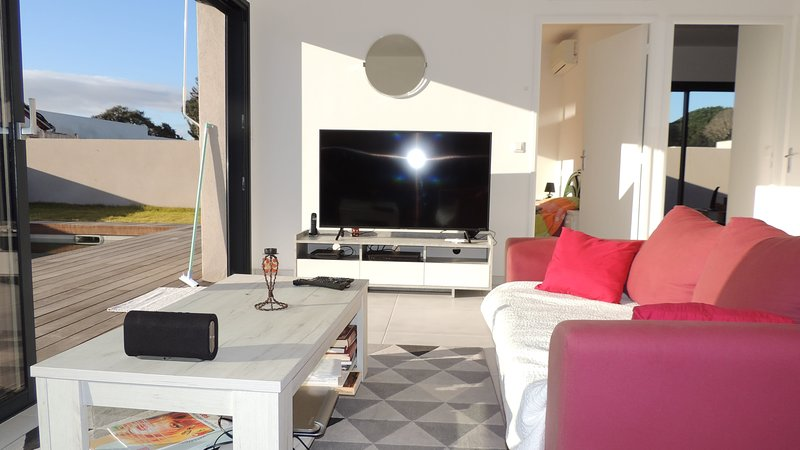 New villa with heated pool in Cala Rossa, holiday rental in Porto-Vecchio