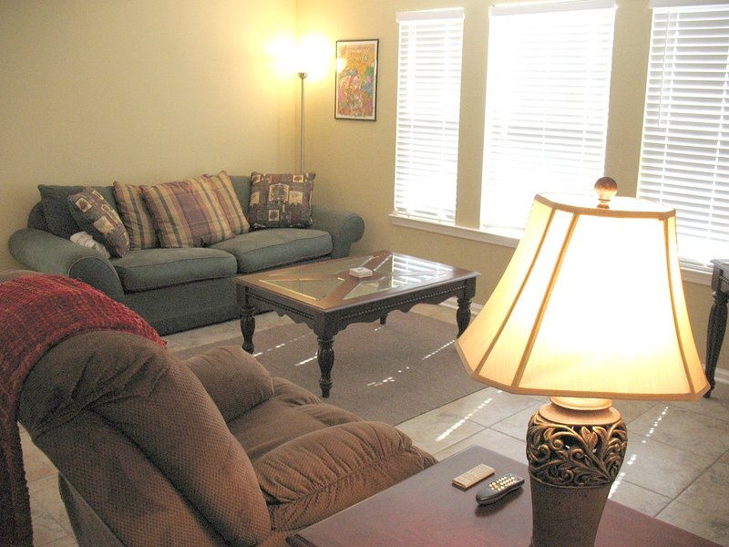 Lamp,Room,Living Room,Indoors,Furniture