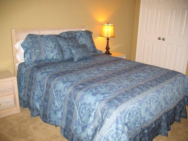 Furniture,Bed,Indoors,Bedroom,Room